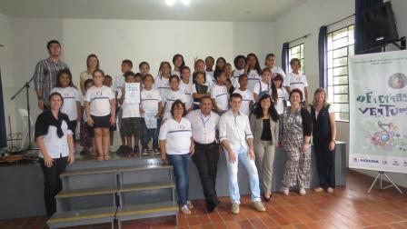 foto02-Equipe-professores-e-alunos1